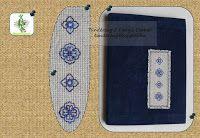 Naplóborító (Tündérzug) velúrszövet alapanyagon, blackwork hímzéssel. Diary cover (from Fairy's Corner) on velour base with blackwork pattern.