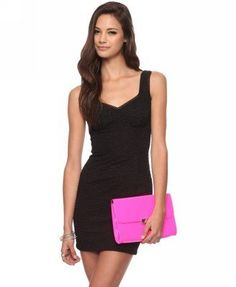 love the combo with the hot pink clutch :)