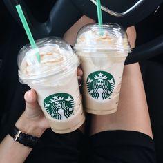 Coffee time☕️ Instagram: moniaas_p