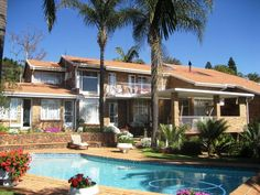 Viva-Africa Guesthouse - Viva-Africa is a lovely guest house, situated within close proximity to all main airports around Johannesburg and Pretoria.  The guest house is conveniently located in Waterkloof Glen, an upmarket suburb ... #weekendgetaways #pretoria #southafrica