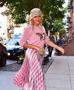 15424f9b95e6 Beyoncé in New York City 5th October 2016 Fashion Fail