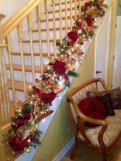 decorate the staircase for christmas 45 beautiful ideas - Christmas Decorations For Stairs Banisters