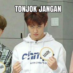 Blackbangtan X Exovelvet Shipper ! Memes Funny Faces, Funny Kpop Memes, Exo Memes, Cute Memes, Memes Humor, K Meme, Drama Memes, Cartoon Jokes, Korea