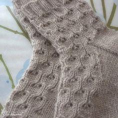 Crochet lace socks pattern ravelry ideas for 2019 Crochet Kids Scarf, Crochet Blanket Patterns, Knitting Patterns Free, Free Pattern, Knitting Ideas, Crochet Ideas, Lace Knitting, Knitting Socks, Crochet Lace