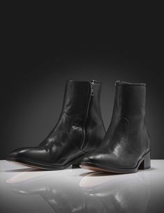 Ziggy boot-Men's iconic boots in black calf leather. Features zip fastening at inside. Slightly rounded toes and straight, mid-height heel. Leather and rubber outsole. Leather Interior, Calf Leather, Chelsea Boots, Calves, Men's Shoes, Zip, Heels, Black, Fashion