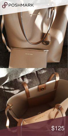 db102d63e7a0 Michael kors purse and clutch Great shape looks brand new Michael Kors Bags  Shoulder Bags Michael