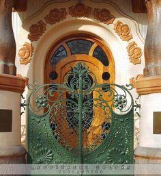 tremblingcolors:  Art Nouveau door in Hungary