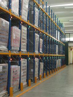 #Sistema di #sicurezza per il #rilevamento e la #segnalazione del controllo #occupazione spazi nei #canali nei #magazzini.  #sistema #allarme #visivo #magazzino #verticale P&T di Trumellini