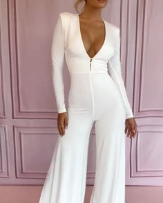 Houseofcbfr🍯 Source by charliewbowen outfits videos Hot Outfits, Dressy Outfits, Edgy Dress, Elegantes Outfit, Maxi Styles, Overall, Fashion Dresses, Wedding Suits For Women, Jumpsuit