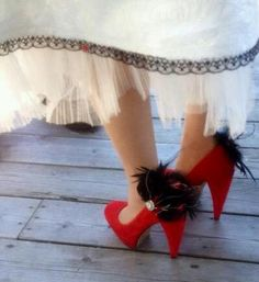 Pair Shoe Clips Ebony Black & Red Feathers - Pearls or Rhinestone Crystal, Chic…