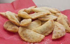 Receita de pastel doce com recheio de brigadeiro, para o lanche é uma delícia. -> http://www.receitassupreme.com.br/receita-de-pastel-doce-com-recheio-de-brigadeiro/
