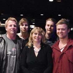 The Hemmings Family>>> Damn it's just an entire family of perfection... mama Liz did good ★♡