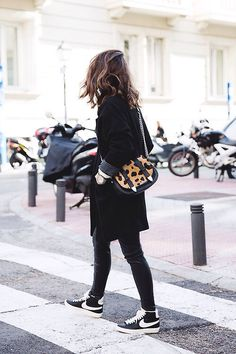 Black_Outfit Sneakers Nike Leopard_Bag SuShi_Bags Outfit S