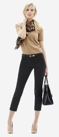 Beige sweater and black skinny capris Summer Office Attire 8308cfe29