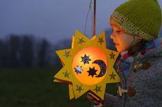 diwali card making Lng n. How To Make Fireworks, Fireworks Craft For Kids, Fireworks Art, 4th Of July Fireworks, Diwali Activities, Art Activities For Kids, Crafts For Kids, Diy Halloween, Masque Halloween