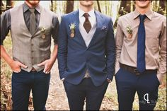 Paisley pockets squares for groom and groomsmen {www.lindytruter.com}
