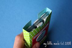 """""""Pocket Advent Calendar"""" made with gum in foil packs. -- would have to change since my daughter's not allowed gum, but cute idea anyway!"""