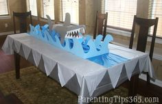 Shark Table Decorations and other super cute shark party theme decorations including a shark photo banner Ocean Party, Shark Party, Birthday Party Themes, 4th Birthday, Birthday Ideas, Party Favors, Photo Banner, Diy, Shark Week