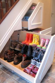 Top Mud Room Design Ideas and Photos - Zillow Digs