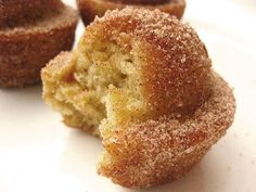 Coffee cake muffins with cinnamon sugar