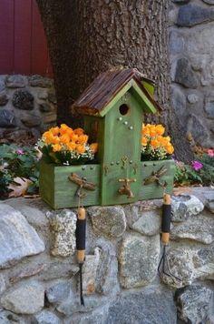 Rustic Birdhouses by:-mckeepeople