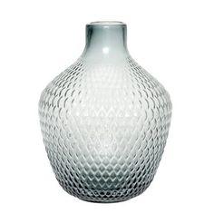 Skøn glas vase med bred bund og tynd hals fra Hübsch. Indret dit hjem med interiør fra Hübsch, flot dansk og enkelt design.