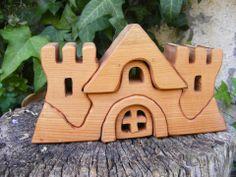 Hollossybela - Játék favár, Játék, Fajáték, Készségfejlesztő játék, Cseresznyefából készült szétszedhető fajáték. Színtelen olajjal kezelt, festéket nem tartalmaz, #wooden #toy #castle Triangle
