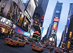 NYC, New York Would love to go back! So many things to see and do. A top pick for places to go and visit. Places Around The World, Oh The Places You'll Go, Places To Travel, New York City Pictures, New York Night, Times Square New York, Go To New York, All I Ever Wanted, New York Street