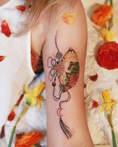 Crane with black strings, peony fan and moon-shaped ornament, done in SF . Mini Tattoos, Body Art Tattoos, Sleeve Tattoos, Piercings, Unique Tattoos, Beautiful Tattoos, Tattoos For Women Small, Small Tattoos, Crane Tattoo