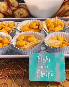 """""""Fish & Chips"""" - Food ideas for a Mermaid Pool Party """" Food ideas for a Mermaid Pool Party Best Picture For beaut - Pool Party Snacks, Pool Party Cakes, Pool Party Themes, Pool Party Kids, Birthday Party Snacks, Pool Party Decorations, Appetizers For Party, Food For Pool Party, Sea Party Food"""