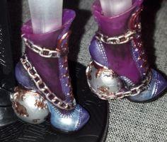 Spectra Vondergeist repaint; shoes