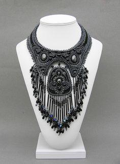 "Necklace | Betty Stephan. ""Black Beauty"""