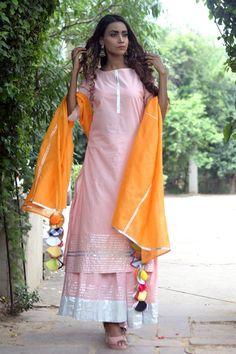 Buy online Sharara - Sunhera sharara sets from That 1 Too Pakistani Suits, Pakistani Dresses, Indian Dresses, Indian Outfits, Pakistani Bridal, Punjabi Suits, Indian Designer Outfits, Designer Dresses, Stylish Dresses