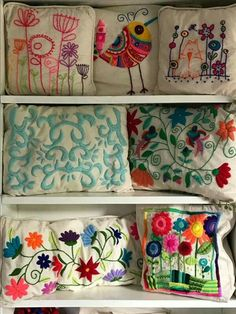 Hand Embroidery Stitches, Hand Embroidery Designs, Cross Stitch Embroidery, Embroidery Patterns, Scrap Fabric Projects, Fabric Scraps, Mexican Embroidery, Fiber Art, Needlepoint