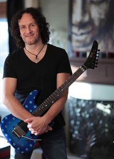Talking Shredders, Leppards And Slang With Vivian Campbell ...