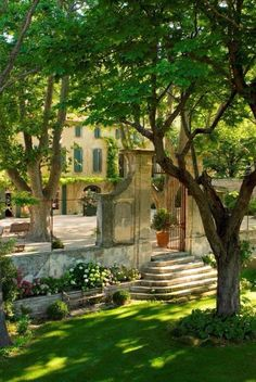 27 Best Ideas For Home Exterior Blue Provence France Porches, France Photos, Provence France, Provence Garden, French Countryside, French Country Style, South Of France, Beautiful Gardens, Outdoor Gardens