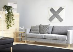 The KARLSTAD sofa has a range of coordinated covers, making it easy for you to give your furniture a new look anytime! Shown here: Insunda gray