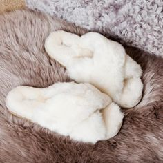 Apr 2020 - Shepherd of Sweden Slippers Ladies Sheepskin Slippers, Womens Slippers, Ladies Slippers, Felted Slippers, Crochet Slippers, Cute Shoes, Me Too Shoes, Cristian Dior, Bedroom Slippers