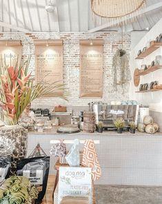 travel idea bali Shady Shack in Bali has an Instag - travelideas Cafe Shop Design, Coffee Shop Interior Design, Restaurant Interior Design, Coffee Cafe Interior, Healthy Cafe, Vegan Cafe, Boutique Interior, Cat Ideas, Deco Cafe