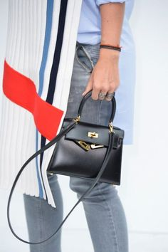 The elegance of baby Hermes bag. #hermes