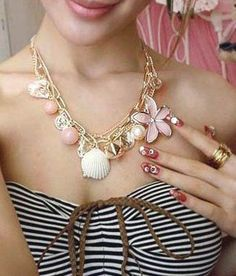 Crunchy Fashions Ocean Shell and Flower Neckpiece