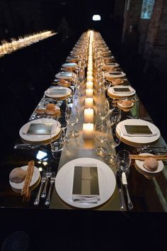 I actually really like this...a very elegant way to set the table that's beautiful even without any flowers