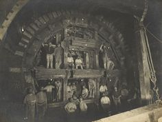 There's a million fascinating facts and figures about the London Underground, but this rarely seen photograph reminds us just what an engineering feat the construction process was. Here we see the creation of the Central Line in 1898 Victorian London, Victorian Life, Vintage London, Old London, Victorian Facts, London 1800, London History, British History, Uk History