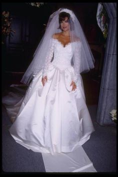 Days Billie in her wedding dress to wed Bo [January 3, 1995] - 16596591 - Salem Couples - Photo Gallery
