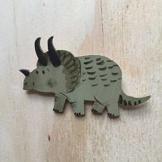 Broche de dinosaurio pintadas mano por emmacarlisle en Etsy