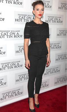 Le look du jour : Scarlett Johansson - Elle Celebrity Summer Style, Celebrity Style Dresses, Celebrity Style Guide, Celebrity Style Inspiration, Celebrity Outfits, Mode Inspiration, Scarlett Johansson, Look Fashion, Runway Fashion