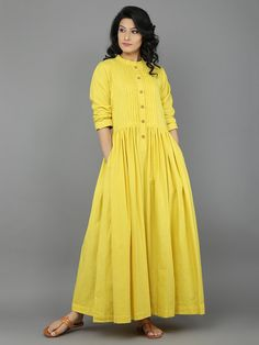 Dresses - Yellow Khadi Dress with Gathers Eerbare kleding Eng Modest clothing Fr Vêtement modeste Du Bescheidene Kleidung Sp ropa modesta Ru Скромная одежда Kurti Designs Party Wear, Kurta Designs, Blouse Designs, Plain Kurti Designs, Linen Dresses, Cotton Dresses, Casual Dresses, Hijab Fashion, Boho Fashion