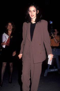Winona Ryder at the Little Man Tate Premiere, October 1991 – The Trouser Suit. Winona Ryder 90s, Winona Ryder Style, 80s Fashion, Vintage Fashion, Estilo Fashion, Tomboy Fashion, Fashion Tips, Pretty People, Beautiful People