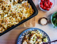 Toppen av comfort food er bakt pastaform med ostesaus og brokkoli - helt sant!