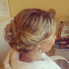 Soft wedding style via miroslavaponikova #CHIhaircare